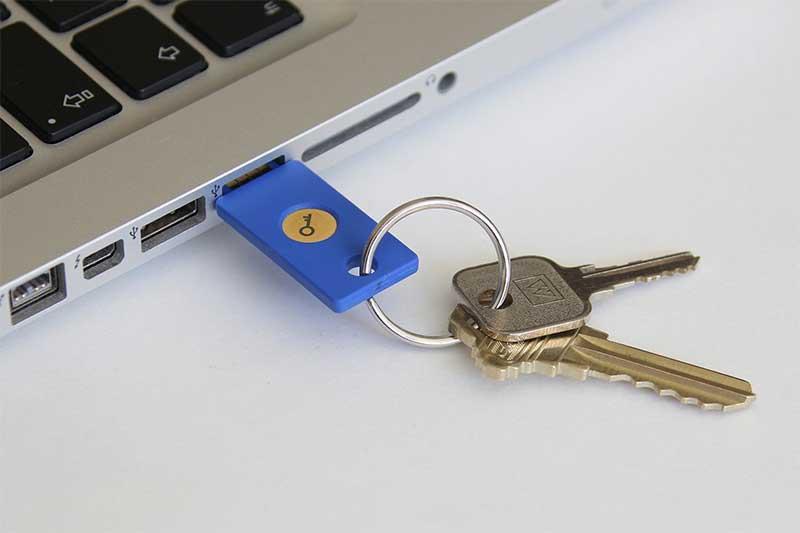 Néhány ezresért kulcsa lehet a Google-hoz