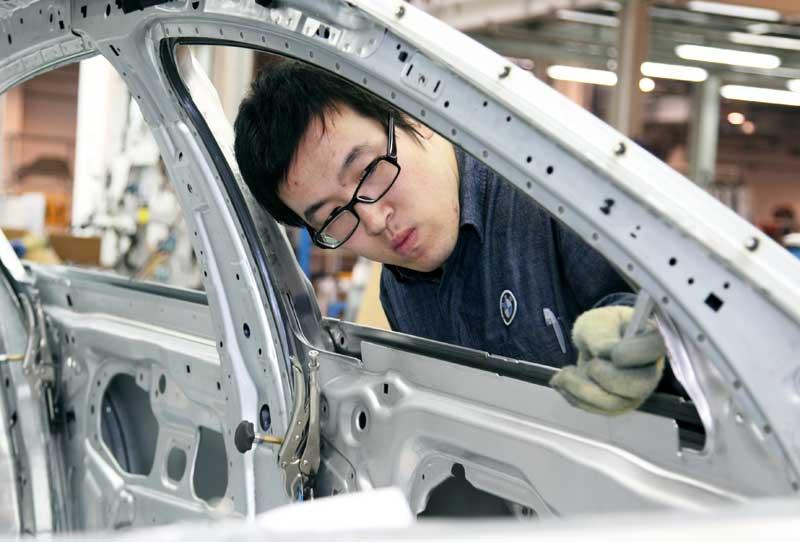 Elkészült az egymilliomodik jármű a BMW kínai gyárában