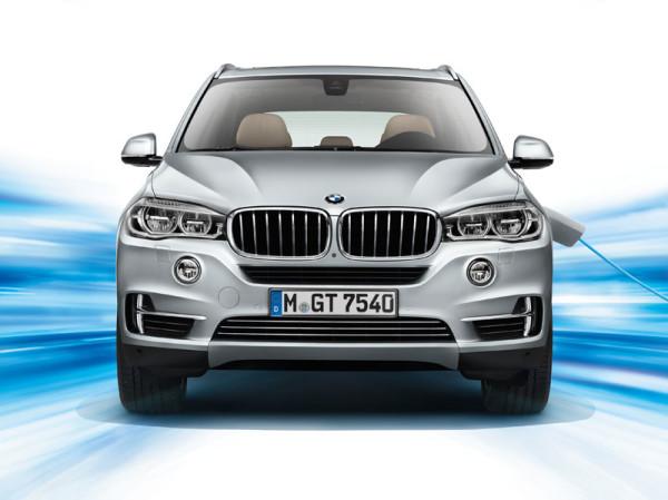 A BMW X5 xDrive40e megmaradt stílusosnak, ugyanakkor energiatakarékos lett