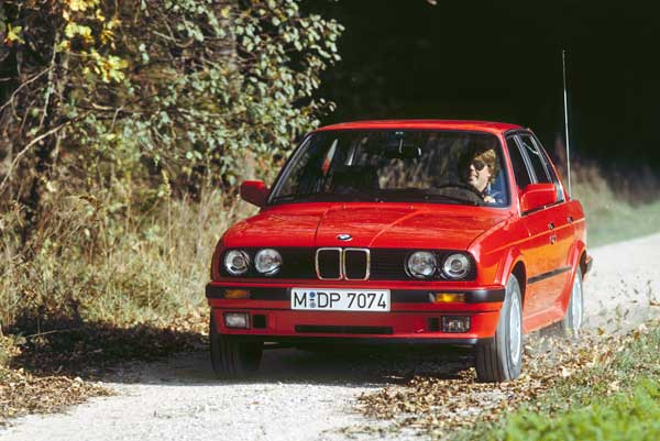 BMW 325iX E30 autó összkerékhajtás történelem