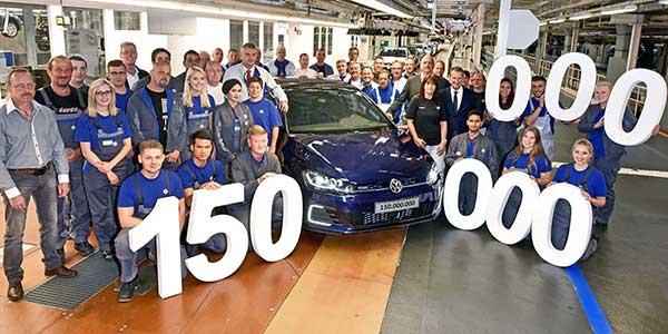 Gyártási jubileum: legördült a 150 milliomodik Volkswagen a wolfsburgi üzem gyártósoráról