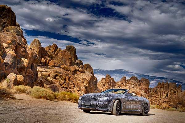 A Halál-völgyben tesztel a modern BMW 8-as Cabrio prototípusa