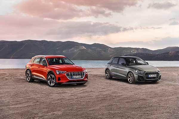 """Az Audi modelljeit két """"Arany kormánykerék"""" díjjal jutalmazták: az A1 és az e-tron is kategóriája legjobbja lett"""