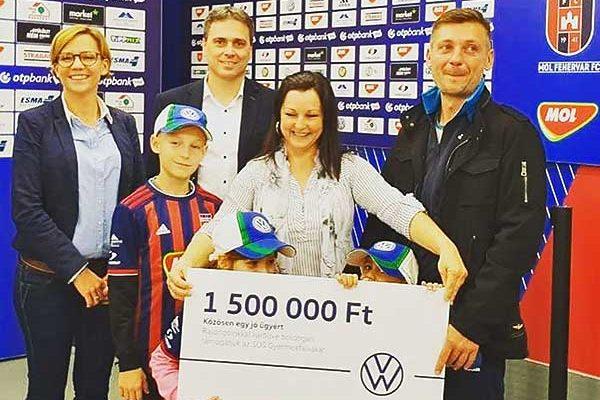 Másfél millió forintos adománnyal támogatta a Volkswagen az SOS Gyermekfalvakat