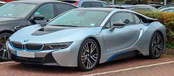 Látomásból stílusikon, győztesből legenda: a BMW i8 sikertörténete