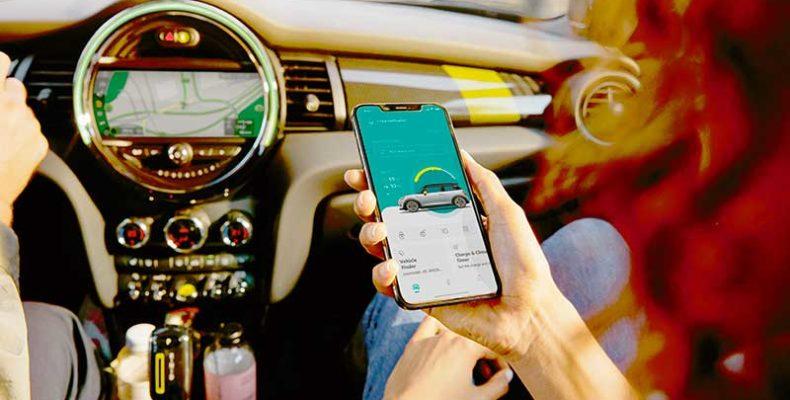 Itt a modern MINI app, amely egy érintéssel beültet a MINI-be